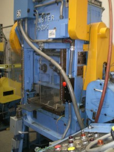 """20 Ton x 1-1/4"""" Used Minster High Speed Punch Press, Mdl. P2-20-24,  Air Clutch & Brake,  Vamco Feeder, Dual Air Counter Balance, Auto Lube System, 3,092 Hours, 24"""" x 19"""" Bed, 250-600 SPM #A1252"""